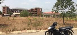 Cần bán lô G6 300m2 hướng Đông, kế trường tiểu học Chánh Phú Hòa giá rẻ. LH: 093.102.2286